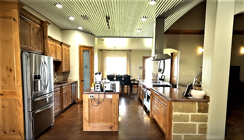 luxury barndominium kitchen